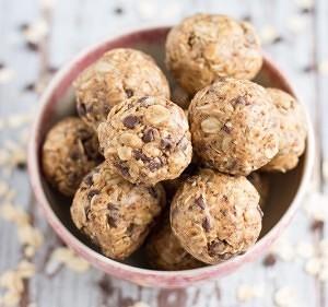 Peanut-Butter-Oat-Balls-71 (1)